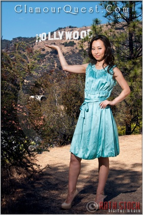 Sakiko models at the Hollywood Sign